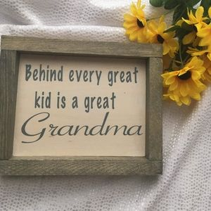 Hand Crafted | Grandma 👵 Sign Home Decor